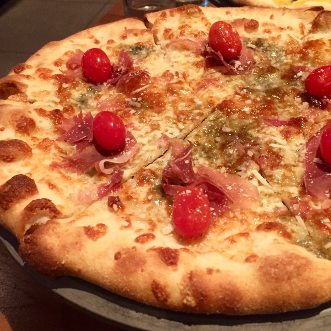 farmers_fishers_bakers_fig_pizza
