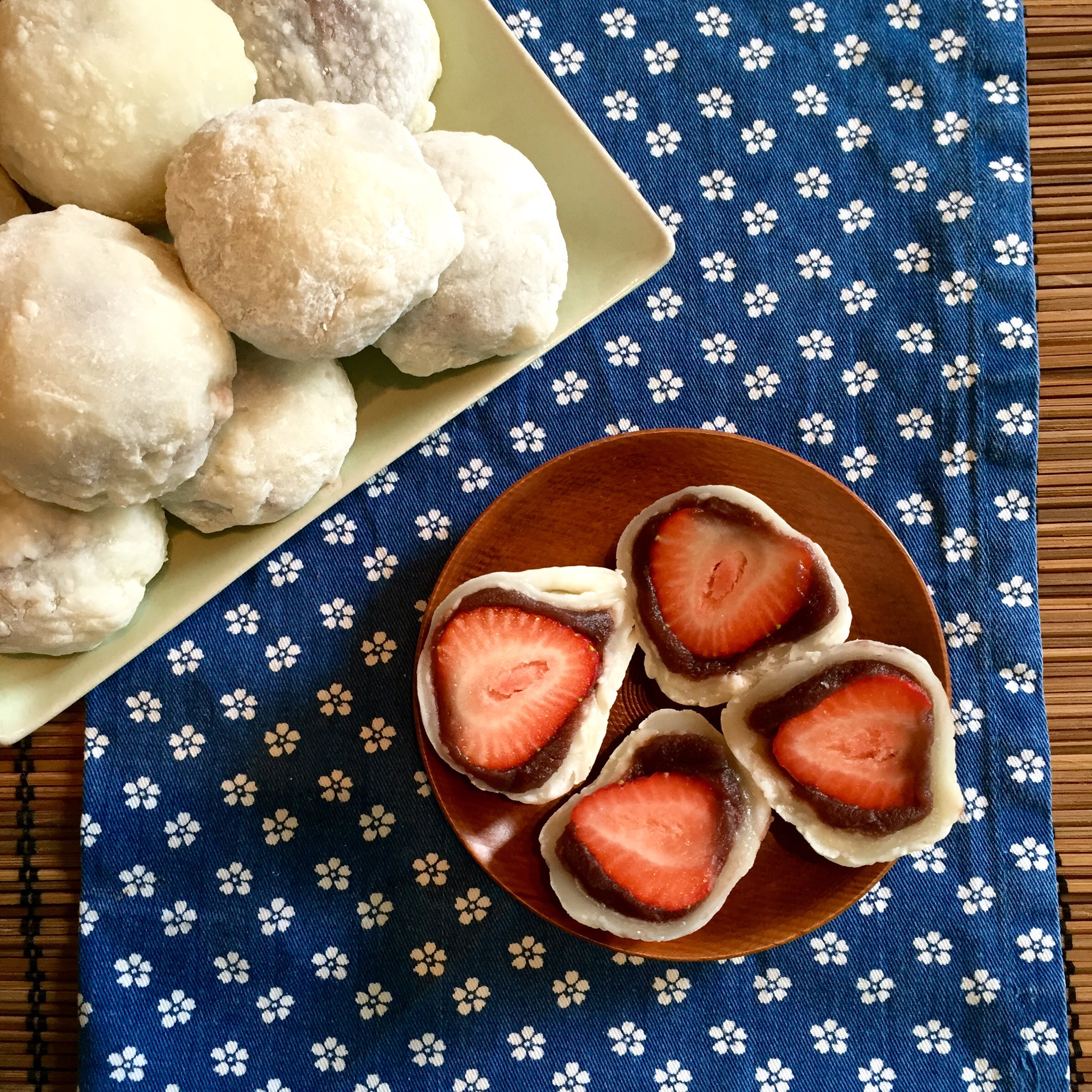 how to make a strawberry daifuku