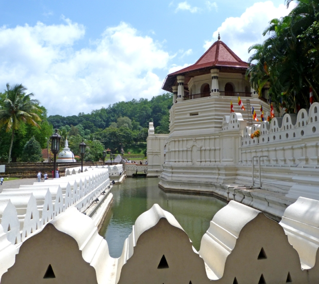 kandy_tooth_relic_temple