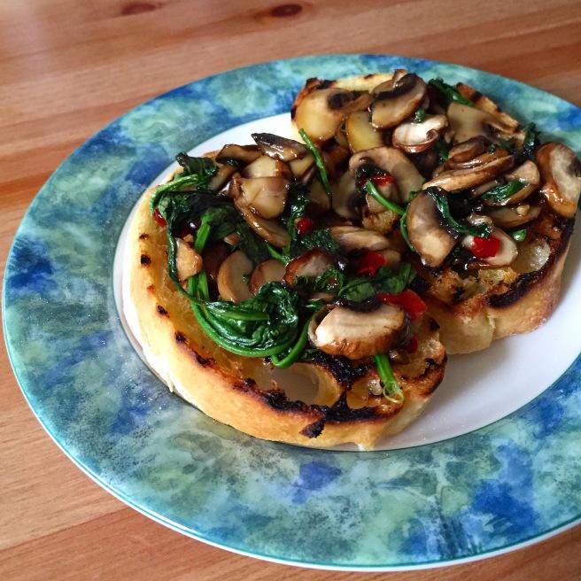 mushroom_spinach_bruschetta_2