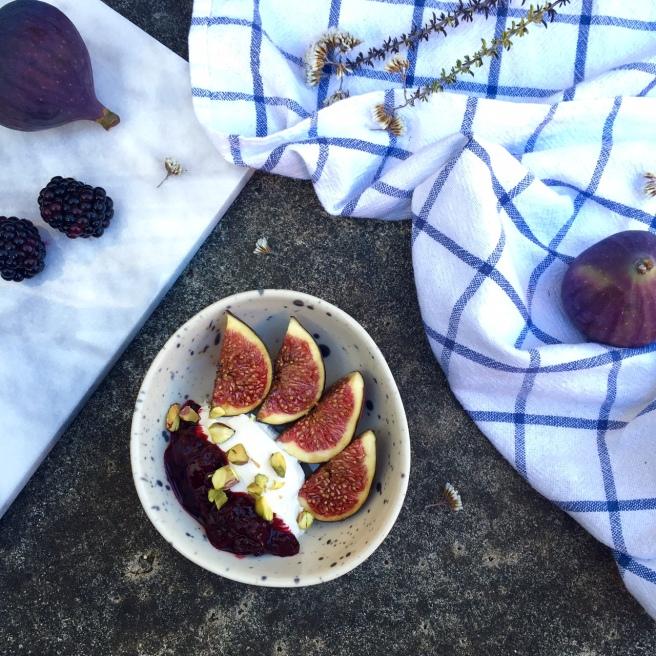 figs_blackberries_2