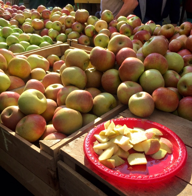 dupont_circle_farmers_market_apples