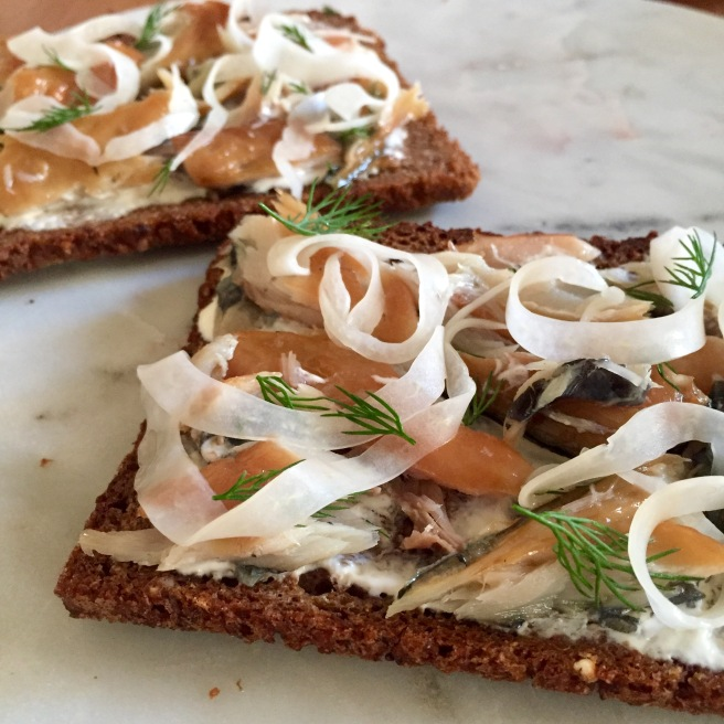 mackerel_pickled_fennel_rye_toast_1