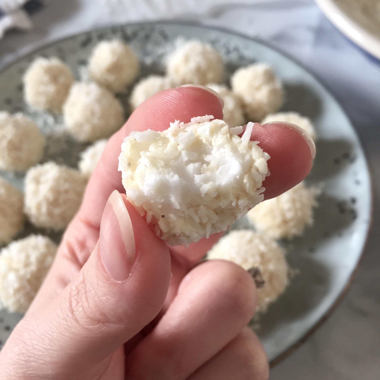 coconut_mint_snowballs_1