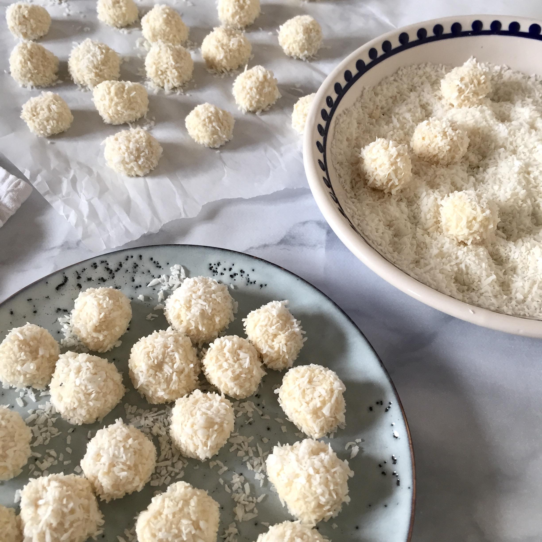 coconut_mint_snowballs_2