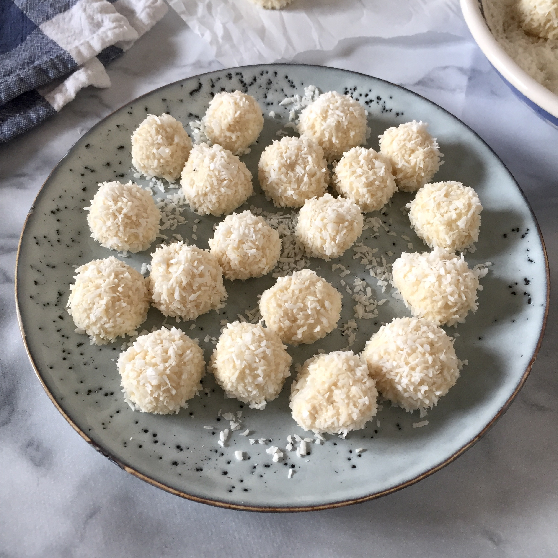 coconut_mint_snowballs_3