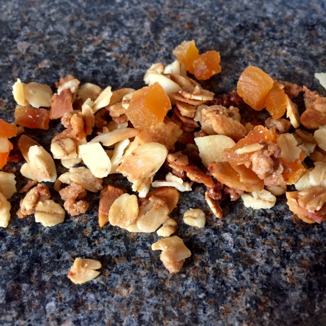 almond_orange_blossom_granola_1